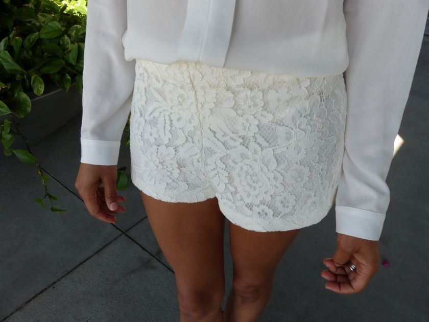 Forever 21 lace shorts, shorts in white lace,