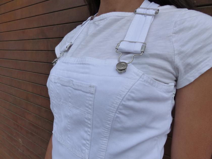 Amanda Garrigus - White Jumpsuit detail