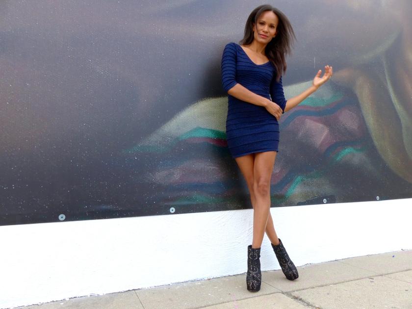 Amanda Garrigus blue bodycon dress