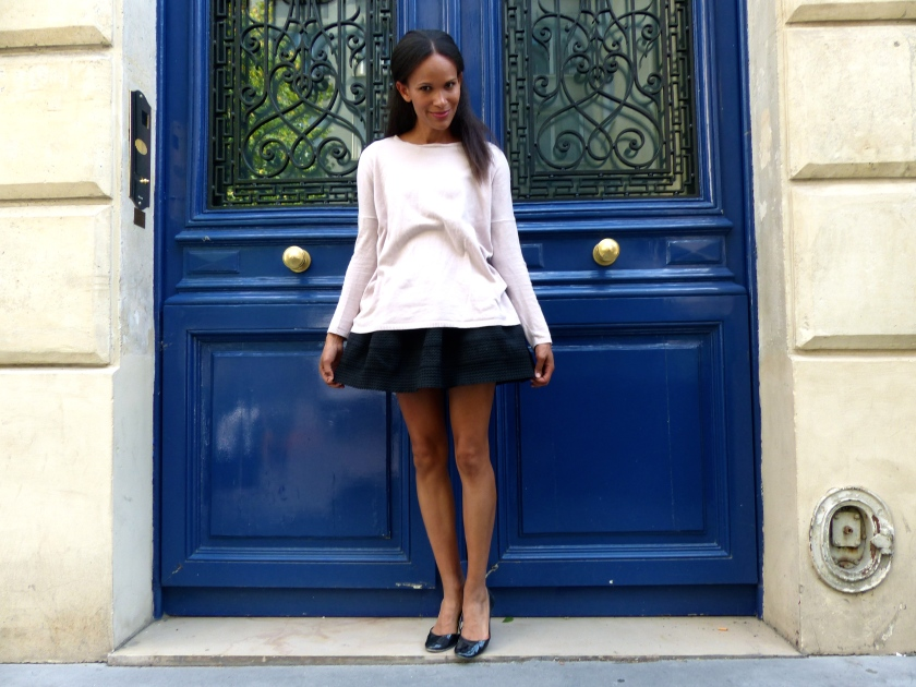 Amanda Garrigus A Blue door in Paris