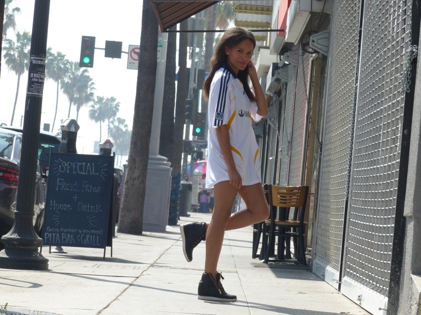 Amanda Garrigus in David Beckham jersey and sneakers