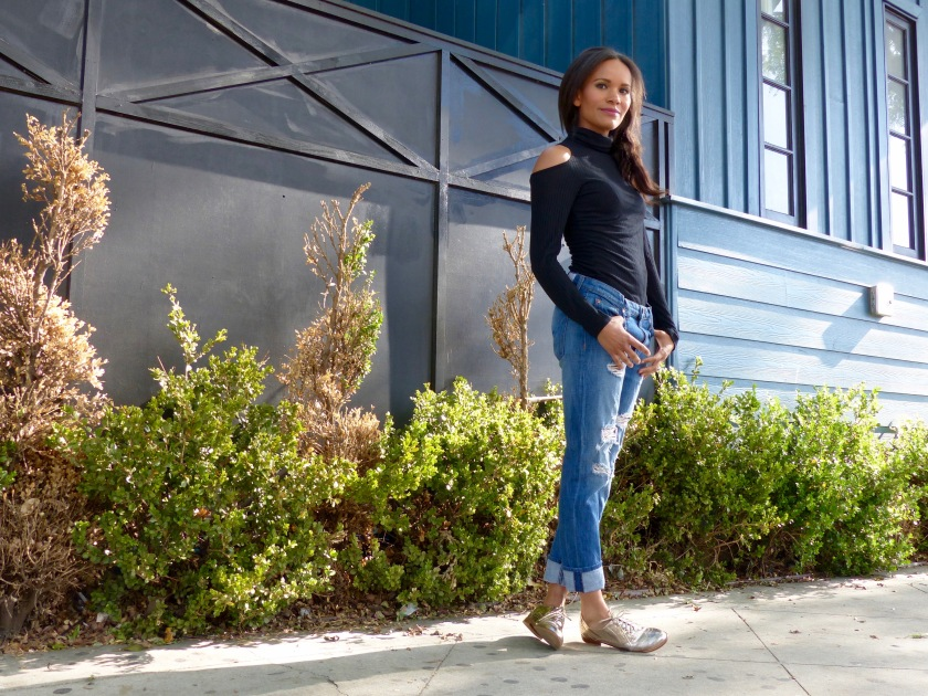 Amanda Luttrell Garrigus wearing an exposed shoulder top, Hudson boyfriend jeans and Monoprix oxfords