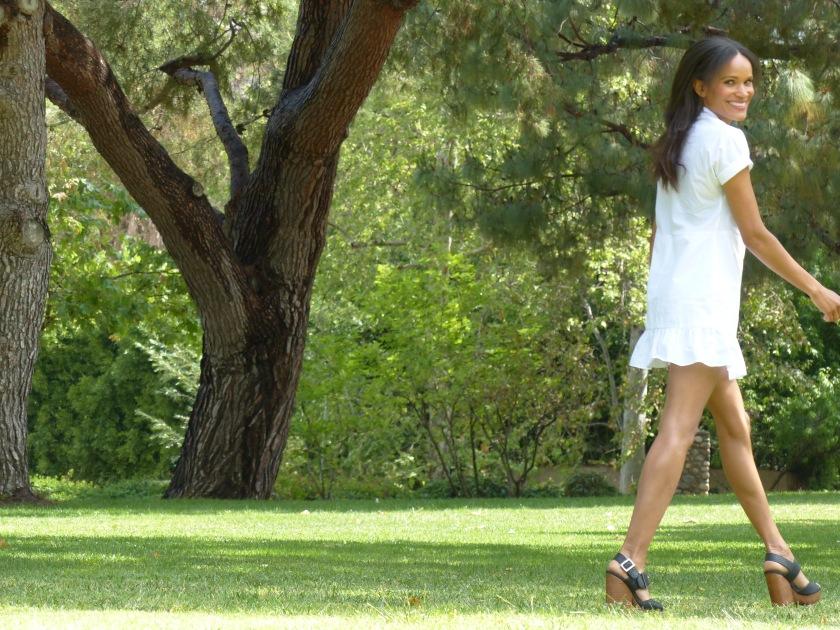 Amanda Luttrell Garrigus wearing a white cotton poplin Zara dress
