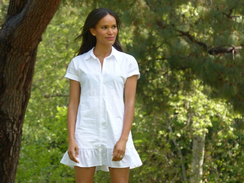 Amanda Luttrell Garrigus wearing a white Zara cotton mini dress