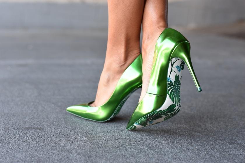 Amanda Luttrell Garrigus in limited edition emerald green Aldo pumps
